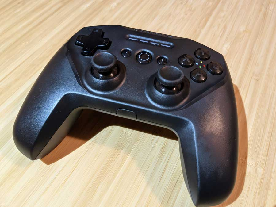 SteelSeries Stratus Duo Bluetooth gamepad